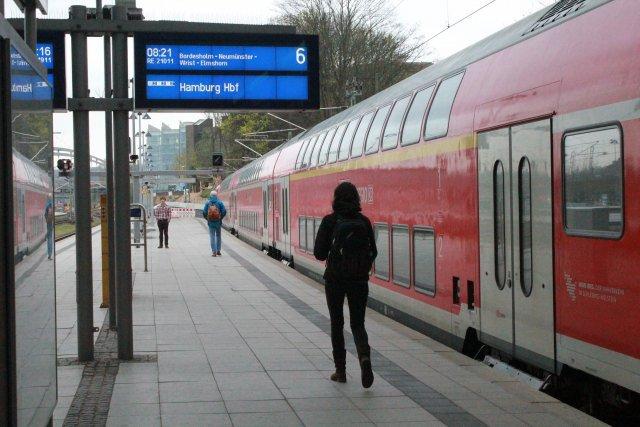 """Der """"Adler"""" - Deutschlands erste Lokomotive / Kartonmodell der Firma Schreiber - Seite 2 IMG_4694"""